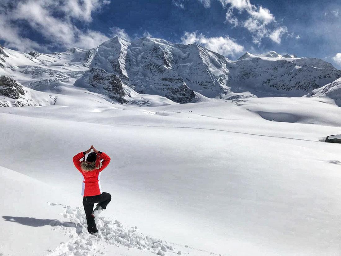 yogaevery4u, Yoga-Übungen während einer Bergtour